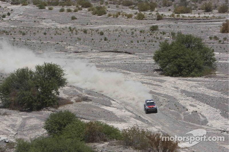 #301 BMW: Stephane Peterhansel y Jean-Paul Cottret