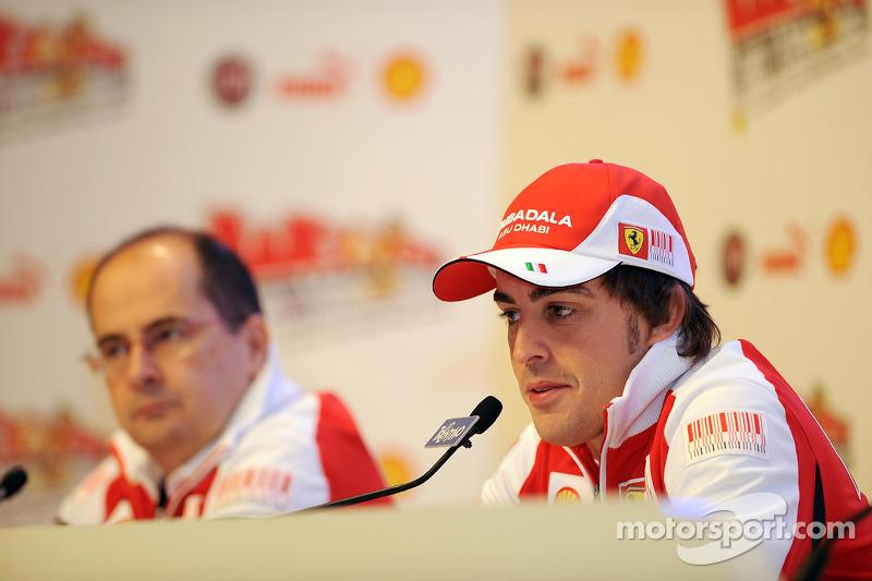 Séance Questions/Réponses avec des fans pour Fernando Alonso