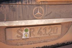 Tierra en el auto de prensa #940 Mercedes-Benz Clase-R