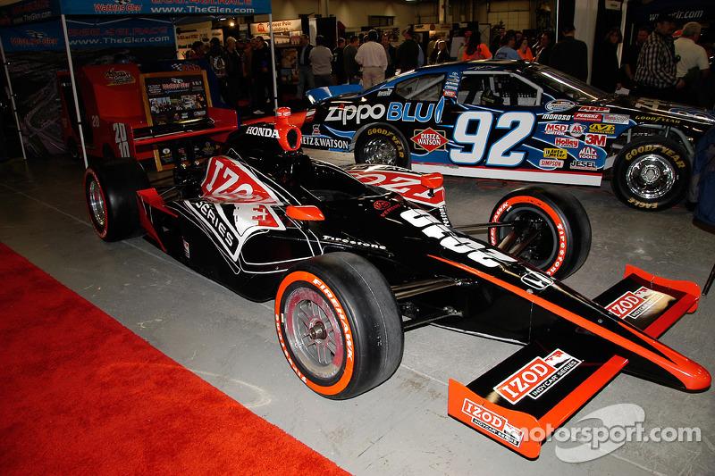 Vous pouvez voir les bolides d'Izod IndyCar et de NASCAR Sprint Cup sur la même piste à Watkins Glen