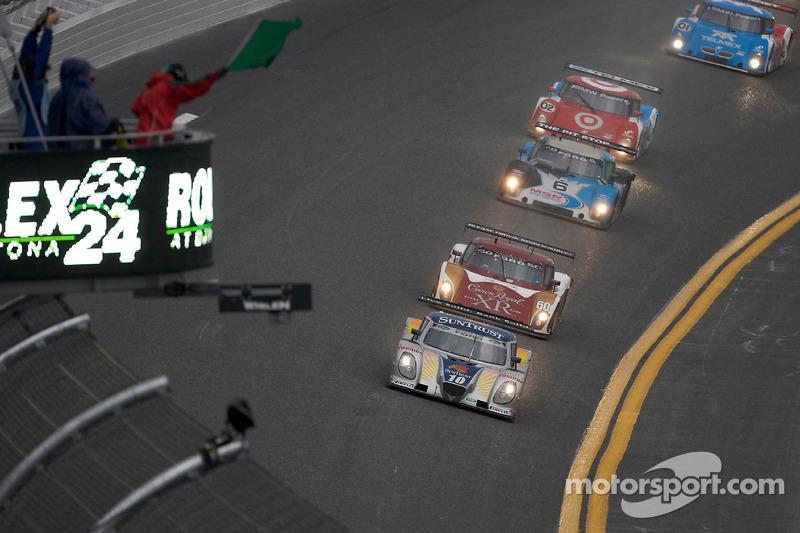 #10 SunTrust Racing Ford Dallara: Max Angelelli, Pedro Lamy, Ricky Taylor, Wayne Taylor devant #60 M