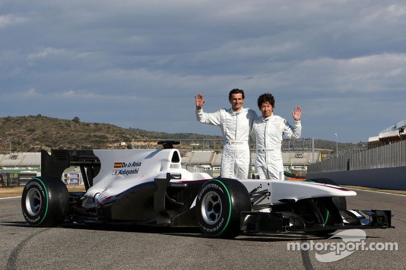 Pedro de la Rosa, BMW Sauber F1 Team et Kamui Kobayashi, BMW Sauber F1 Team avec la nouvelle C29