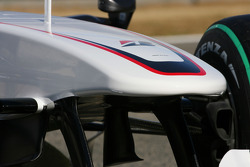The new BMW Sauber C2, front wing detail