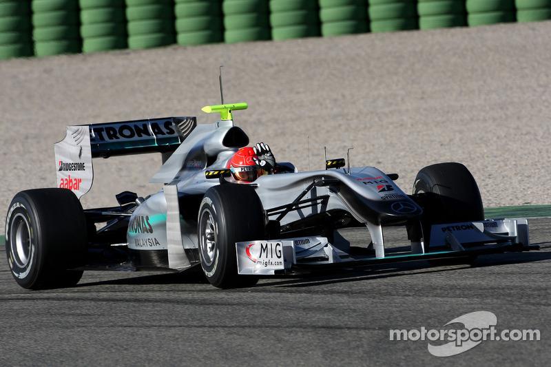 Michael Schumacher, Mercedes GP, W01, saludando