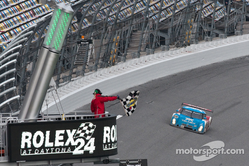 #01 Chip Ganassi Racing with Felix Sabates BMW Riley: Max Papis, Scott Pruett, Memo Rojas, Justin Wilson takes the checkered flag
