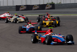 Davide Valsecchi rijdt voor Oliver Turvey en Giacomo Ricci
