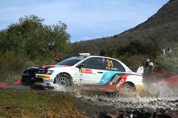 Armindo Araujo en Miguel Ramalho, Mitsubishi Lancer Evo X, Ralliart Italy