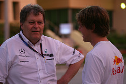 Sebastian Vettel, Red Bull Racing ve Norbert Haug, Mercedes, Motorsport chief