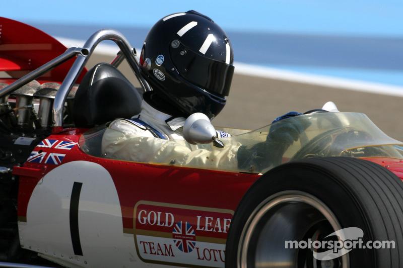 Damon Hill, 1996 F1 wereldkampioen rijdt de 1968 Lotus 49B