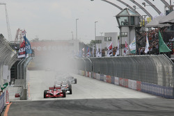 Dario Franchitti, Target Chip Ganassi Racing leads the field