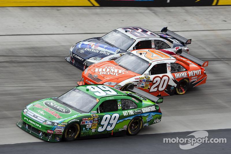 Carl Edwards, Roush Fenway Racing Ford en Joey Logano, Joe Gibbs Racing Toyota