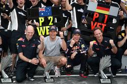 Race winner Sebastian Vettel, Red Bull Racing celebrates with Mark Webber, Red Bull Racing, and his team