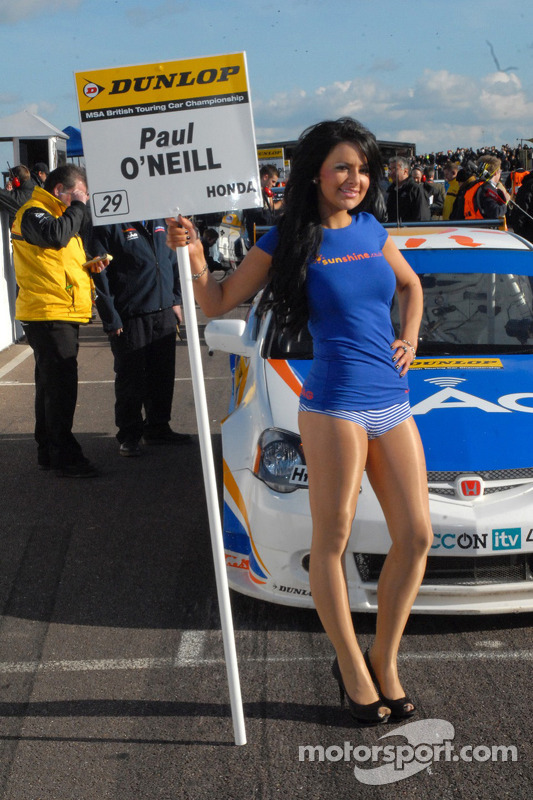 Grid girl de Paul O'Neill