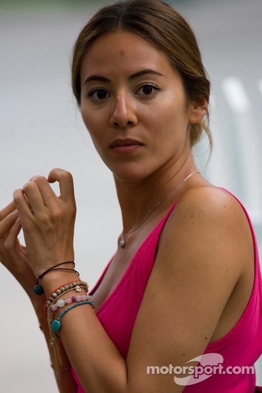 La petite amie de Jenson Button, Jessica Michibata