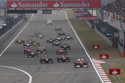 Fernando Alonso, Scuderia Ferrari leads the start of the race
