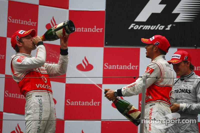 2010 : 1. Jenson Button, 2. Lewis Hamilton, 3. Nico Rosberg