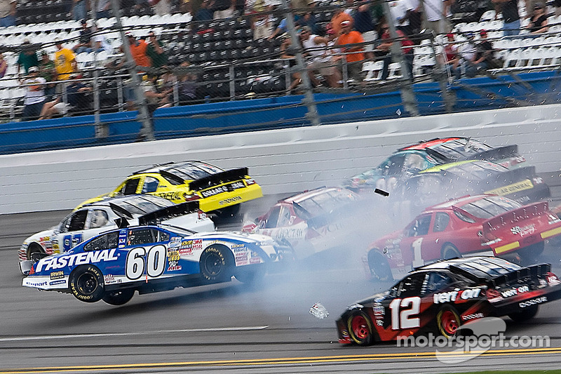 Carl Edwards crasht