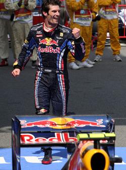 Race winner Mark Webber, Red Bull Racing celebrates