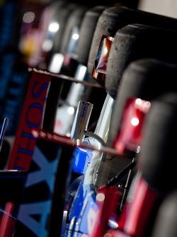 GP2 Series les voitures dans le Parc ferme