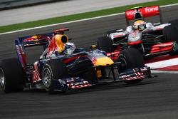 Sebastian Vettel, Red Bull Racing et Lewis Hamilton, McLaren Mercedes