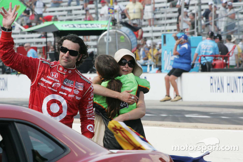 Danica Patrick, Andretti Autosport feliciteert Ashley Judd met Dario Franchitti's overwinning in de 94th Indianapolis 500.