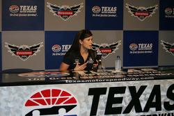 Danica Patrick, Andretti Autosport beantwoordt vragen van de media