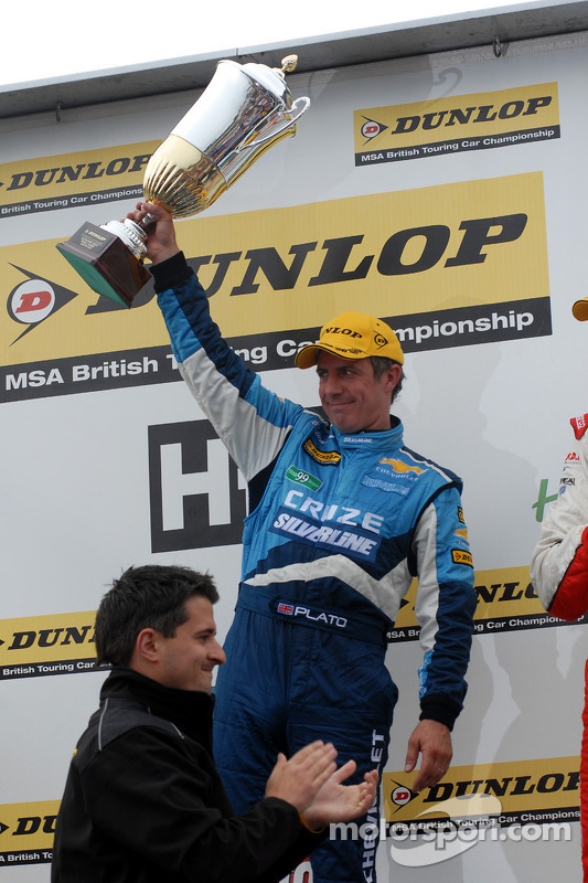 Race winnaar Jason Plato