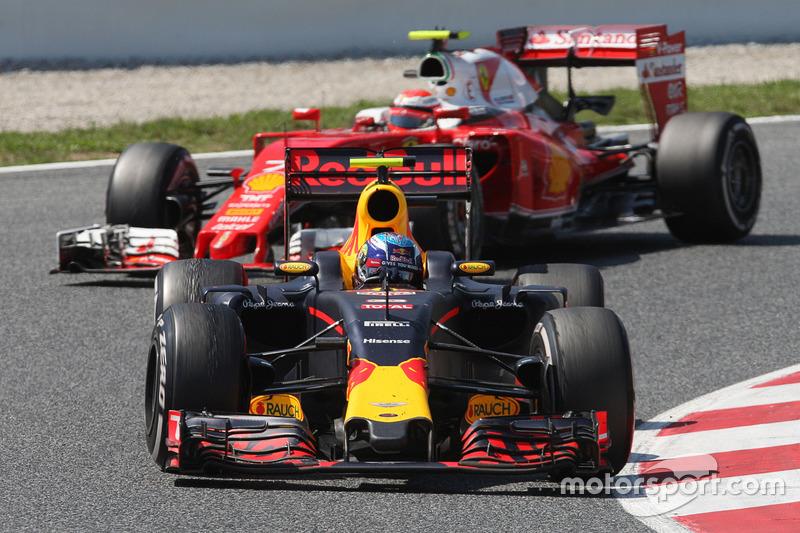 Hoeveel ronden moest Verstappen zijn leidende positie verdedigen tijdens de Spaans GP?