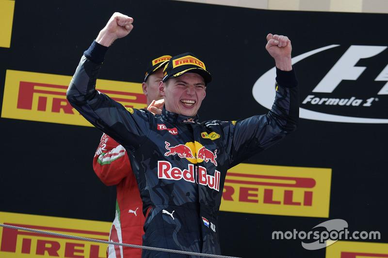 Макс Ферстаппен празднует свою первую победу