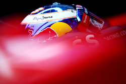 Daniel Ricciardo, Red Bull Racing, ai box