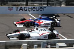 Oriol Servia, Schmidt Peterson Motorsports Honda, und Jack Hawksworth, A.J. Foyt Enterprises Honda