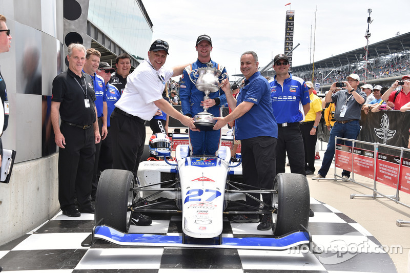 Ganador de la carrera Dean Stoneman, Andretti Autosport