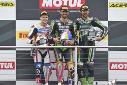 Podio: el ganador de Kenan Sofuoglu, Kawasaki Racing Puccetti, segundo PJ Jacobsen, equipo de Supersport Honda y tercer Randy Krummenacher, Kawasaki Racing Puccetti