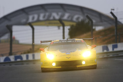 #64 Corvette Racing - GM Chevrolet Corvette C7R: Олівер Гевін, Томмі Мілнер, Джордан Тейлор