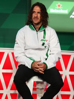 Carles Puyol, ex jugador de fútbol, en el anuncio de patrocinio de Heineken