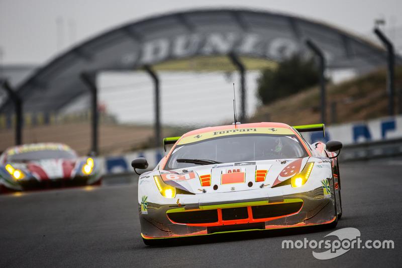 41: (Поул GTE Am) Ferrari 458 Italia команды Clearwater Racing (№61): Мок Вень Сунь, Роб Белл, Кеита Сава