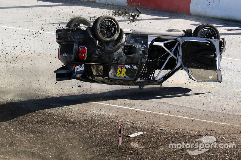 Crash: Liam Doran, Mini