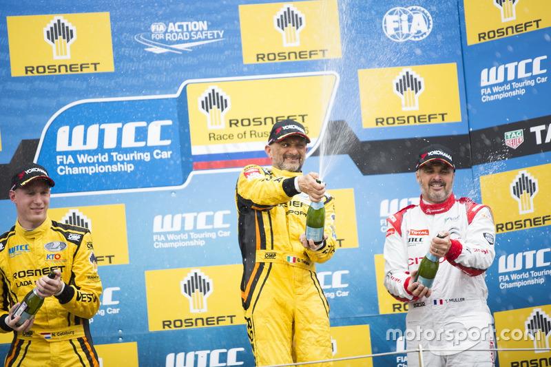 Подиум: Победитель Габриэле Тарквини, LADA Sport Rosneft, Lada Vesta