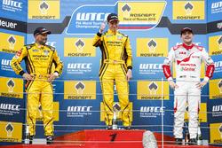 Podium: winnaar Nicky Catsburg, LADA Sport Rosneft, Lada Vesta; tweede Gabriele Tarquini, LADA Sport Rosneft, Lada Vesta; derde Norbert Michelisz, Honda Racing Team JAS, Honda Civic WTCC