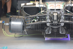 Mercedes AMG F1 W07 Hybrid, Vorderradaufhängung und Bremse