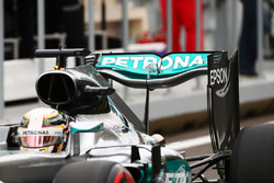 Lewis Hamilton, Mercedes AMG F1 W07 Hybrid, l'ala posteriore