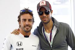 Fernando Alonso, McLaren con Enrique Iglesias
