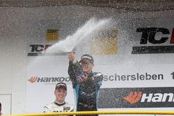 Pemenang lomba Josh Files, Target Competition, SEAT Leon TCR celebrates di podium