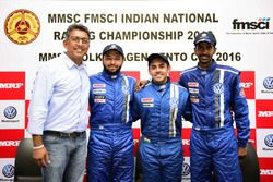Ishaan Dodhiwala, Karminder Singh dan Keith Desouza