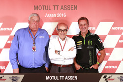 Mike Trimby, CEO of IRTA (left), Carmelo Ezpeleta, CEO of Dorna, Hervé Poncharal, President of IRTA (right)