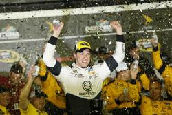 Sieger Brad Keselowski, Team Penske, Ford