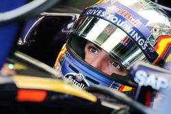 Карлос Сайнс-мл., Scuderia Toro Rosso STR11