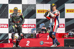 Jonathan Rea, Kawasaki Racing; Nicky Hayden, Honda World Superbike Team
