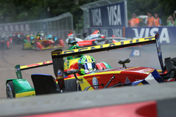 Lucas di Grassi, ABT Schaeffler Audi Sport and Sébastien Buemi, Renault e.Dams crash in the first corner