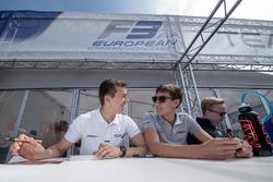 Sessione autografi, Ben Barnicoat, HitechGP Dallara F312 - Mercedes-Benz, George Russell, HitechGP Dallara F312 - Mercedes-Benz